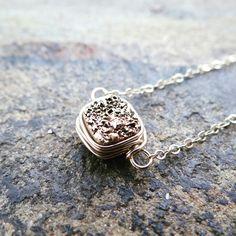 #theloveleighlocket #etsy #druzy #goldnecklace #trendynecklace #minimalistjewelry