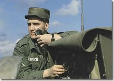 Elvis Received A Post In Friedberg, Germany Where He Served From October 1958 To March Elvis Presley Army, Elvis Presley Photos, Rock And Roll, Army Day, Men In Uniform, Thats The Way, Graceland, Good Looking Men, Actor