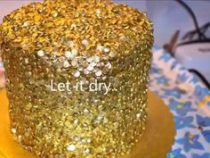Gold sequins cake How to make easy gold sequins cake. – CakesDecor Informations About Gold sequins cake How to make easy gold sequins cake. Fancy Wedding Cakes, Wedding Anniversary Cakes, Fancy Cakes, Anniversary Decorations, Anniversary Ideas, Cake Icing, Buttercream Cake, Cupcake Cakes, Sequin Cake