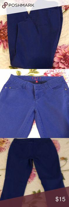 Skinny Jeans Size 6 Elle Paris Size: 6 Skinny Jeans Brand: Elle Patis Material: 74% Cotton 24% Polyester 2% Spandex Elle Paris Jeans Skinny