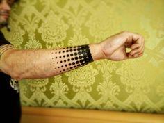 Unterarmtattoo im Halftone-Stil  #halftone #halftonedots #halftonetattoo #tattoo #dots #german #wristtattoo #wrist