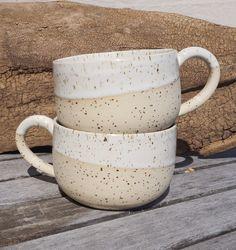 Set aus 2 Kaffeetassen, Ton mit Spots Becher, Tasse handgemacht, Steinzeug Keramik The Cream, Stoneware Clay, Coffee Cups, Dishwasher, Recycling, Pottery, Etsy Shop, Ceramics, Mugs