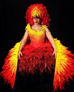 Phoenix Dress by Ola Skowyra (Junk Kouture 2016 Scotland Winner) Ash Costume, Bird Costume, Unique Fashion, Fashion Art, Fashion Show, Samba, Narnia Costumes, Phoenix Costume, Fire Fairy