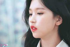 South Korean Girls, Korean Girl Groups, Talia, Twice Korean, Overlays Picsart, Myoui Mina, Hirai Momo, Television Program, Art Reference Poses