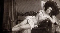SEXY TATTOOED LADY PINUP! Antique CIRCUS FREAK PHOTO-CARD! Germany! RARE RISQUE!