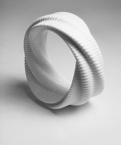 3D Printed Jewelry. SoftFold, 3D printed Bracelet