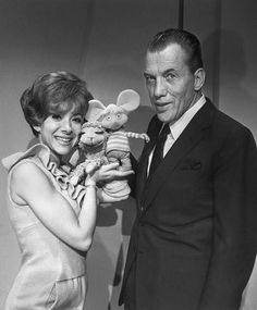 Shari Lewis, Lamb Chop, Ed Sullivan & Topo Gigio! Lamp Chop or Topo Gigio . I loved them both! Actually got a Topo Gigio stuffed toy for Christmas one year -- LOL! Shari Lewis, The Ed Sullivan Show, Vintage Television, Television Tv, This Is Your Life, Vintage Tv, Vintage Stuff, Old Tv Shows, My Childhood Memories