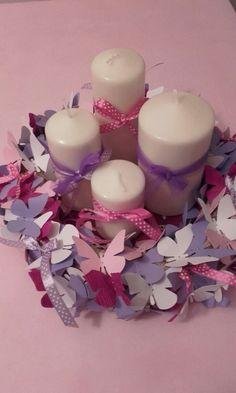 Battesimo Viola ghirlanda di farfalle usata come centro tavola