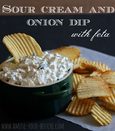 Sour cream and onion dip with feta ½ small onion, diced (I left mine quite chunky but it's up to you) 4tbsp (heaped) sour cream 2tbsp fresh parsley, finely chopped 100g feta, roughly crumbled Black pepper Instructions Combine all ingredients in a bowl, and serve chilled with crisps or veggie sticks to dip.