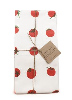 The tomatoes on this towel is so cute! Perfect for the kitchen.