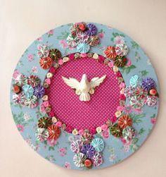 linda mandala do espírito santo Crafts With Cds, Diy And Crafts, Arts And Crafts, E Craft, Craft Sale, Recycled Cds, Applique Quilts, Handicraft, Diy Art