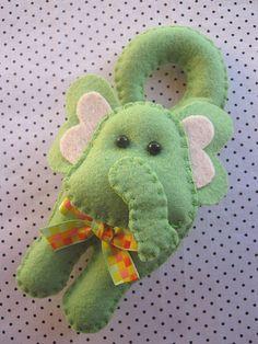 Sachê elefante! by Arte & Mimos, via Flickr
