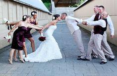Qui dit mariage dit forcément photos : les mariés, la famille, les demoiselles d'honneur… Ces clichés des invités feront de beaux souvenirs pour les amoureux...