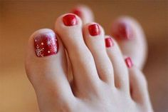 Here I have 15 Christmas toe nail art designs, ideas & stickers of Get the glimpses of these awesome Xmas nails and do revert us with your feedback. Pedicure Nail Art, Pedicure Designs, Toe Nail Designs, Toe Nail Art, Manicure And Pedicure, Pedicure Ideas, Christmas Toes, Christmas Nail Designs, Christmas Nail Art