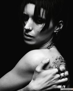 The-Girl-with-the-Dragon-Tattoo  (900×1126)