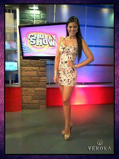 Este es el atuendo que vistió nuestra modelo exclusiva: Georgette Cárdenas Tallas: S, M, L, XL  Colores: Rosa, Negro