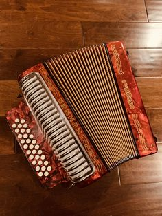 Hohner Corona I - only 50 were made in the early Musicals, How To Make, Colombian Culture, Music Instruments, Bass, Corona, Shirts, Musical Theatre
