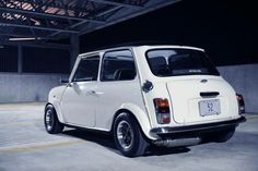 Classic mini white - nice exhaust