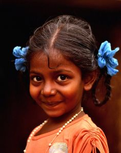 No matter what happens, always keep your childlike innocence. It is the most important thing. Beautiful Smile, Beautiful Children, Beautiful People, Kids Around The World, People Around The World, Children Photography, Portrait Photography, Joy And Happiness, Belleza Natural