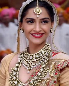 """Bridal Jewellery Inspirations for the Modern Indian Bride! Indian Wedding Jewelry, Indian Bridal, Indian Jewelry, Bridal Jewellery Inspiration, Bridal Jewelry Sets, Bollywood Fashion, Bollywood Actress, Indian Bollywood, Bollywood Stars"