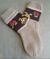 Socks With Cars Pattern by Iya Kryukova (Ravelry), free Knitted Socks Free Pattern, Knitting Patterns Boys, Crochet Socks, Knitting For Kids, Knitting Socks, Baby Knitting, Knit Crochet, Knitted Baby Clothes, Knitting Videos