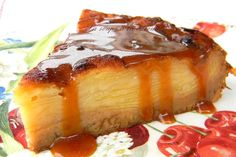 Invisible apple cake and crème caramel with salted butter: easy recipe Apple Desserts, Delicious Desserts, Dessert Recipes, Mousse Au Chocolat Torte, Sem Lactose, Sweets Cake, French Pastries, Flan, Food Inspiration