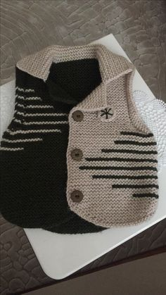 This post was discovered by ha Baby Knitting Patterns, Knitting For Kids, Knitting Designs, Crochet Baby Jacket, Crochet Baby Dress Pattern, Baby Boy Vest, Baby Cardigan, Knit Baby Sweaters, Knitted Baby Clothes