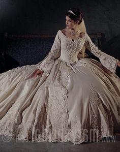 Wedding dresses on pinterest wedding dresses 18th for 1920s inspired wedding dresses
