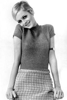 TWIGGY! i know shes more 60s but the way she styles her pixie is major inspo since the 70s is all about long hair (that i don't have)