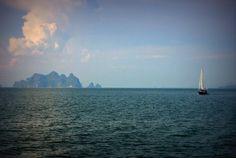 Sailing over the Andaman Sea and towards the land of smiles. Black Sails, Phuket, Sailing, Thailand, Explore, World, Water, Boats
