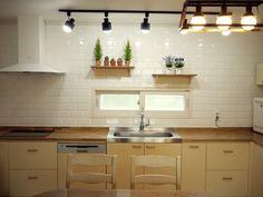 원목과 스텐이 조화를 이룬 원목싱크대. 옐로운 계열 싱크컬러로 따뜻한 느낌을 보여줍니다. Kitchen Cabinets, Table, Furniture, Home Decor, Decoration Home, Room Decor, Kitchen Base Cabinets, Tables, Home Furnishings