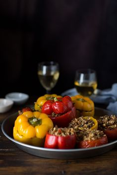 stuffed red peppers turkish style (Drizzle and Dip) Ground Beef Rice, Beef And Rice, Ground Meat, Stuffed Green Peppers, Red Peppers, Red Pepper Recipes, Sweet Home, Turkish Recipes, Romanian Recipes