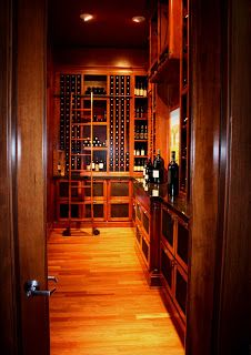 Another detail of the wine room...