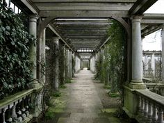 The Pergola in Hampstead Heath, London by Laura Nolte, via Flickr