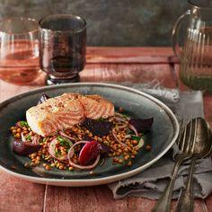 Zalm uit de oven met bietjes en linzen Fish And Seafood, Foodies, Good Food, Chicken, Healthy, Recipes, Drinks, Winter, Drinking