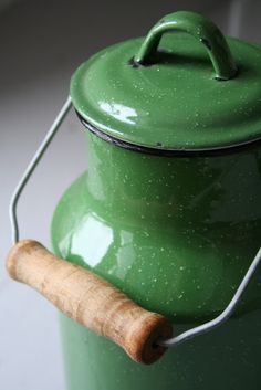 Green Enamelware Canister with Wire & Wooden Handle . Go Green, Green Colors, Bright Green, Vintage Enamelware, Milk Cans, Milk Jug, World Of Color, Shades Of Green, My Favorite Color