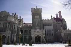 Casa Loma or Hill House in Spanish is located on Austin Terrace in uptown Toronto, Ontario, Canada. Built beginning in 1911 by financier Sir Henry Mill Pellatt who brought hydroelectricity to Toronto the amazingly beautiful Casa Loma castle is a very popular tourist attraction in Toronto today. A number of movies have had scenes filmed at Casa Loma.