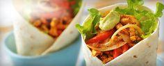 Fajita består af tynde skiver stegt eller grillet kød, løg og peberfrugter, som lægges på et tortillabrød. Kødet er traditionelt oksebrystkød, men det kanerstattes med kylling, svinekød eller rejer. Serveres med en frisk salat, tacosauce og guacamole.