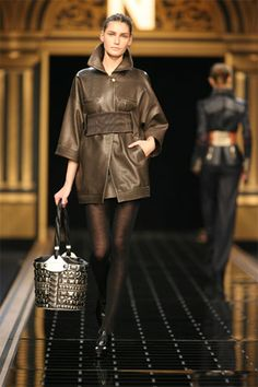 Fendi | Fall 2006 Ready-to-Wear Collection | Style.com