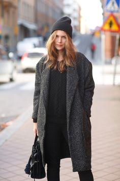 coat Gina Tricot / knit Marant / jeans Zara / bag Balenciaga / hat FWSS / via Carolines Mode