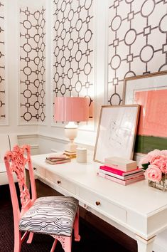What a fun office space idea for any nook. The pop of pink can make any girl giggle.