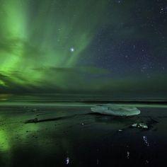 116 отметок «Нравится», 3 комментариев — Universe Today (@universetoday) в Instagram: «Cory Schmitz shared this photo of the #AuroraBorealis from #Iceland on Nov. 7, 2013.»
