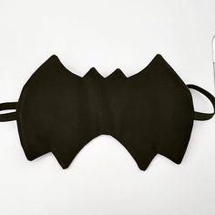 Lylie sur Instagram: Couture rapide pour monsieur, masques pour dormir Incognito de @patrons_sacotin. J'ai beaucoup celui en forme de Batman 😁 Très simple à…