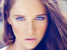 7 Eyeliner Tips for Blue Eyes
