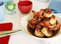 Australian Gourmet Traveller recipe for crisp king prawns with honey and garlic sauce by Kylie Kwong. Baked Shrimp Recipes, Fish Recipes, Seafood Recipes, Asian Recipes, Chinese Recipes, Chinese Food, Recipies, Chef Recipes, Great Recipes