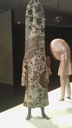 Nick Cave Soundsuit Nick Cave Soundsuits, Crazy Costumes, Crazy Outfits, Arte Popular, Headgear, Costume Design, Wearable Art, Sculptures, Students