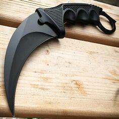 Pretty Knives, Cool Knives, Knives And Swords, Katana, Tactical Knives, Tactical Gear, Knife Throwing, Armas Ninja, Self Defense Weapons