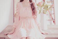 핑크 드레스와 귀여운