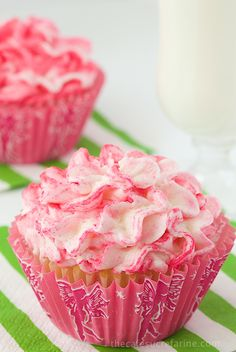 Best Ever Vanilla Cupcakes and Buttercream Icing - the name says it all! This is what every wedding cake should taste like! Deco Cupcake, Cookies Cupcake, Cupcake Frosting, Buttercream Icing, Yummy Cupcakes, Pink Cupcakes, Valentine Cupcakes, Vintage Cupcake, Rose Cupcake
