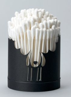 This cotton-swab container.